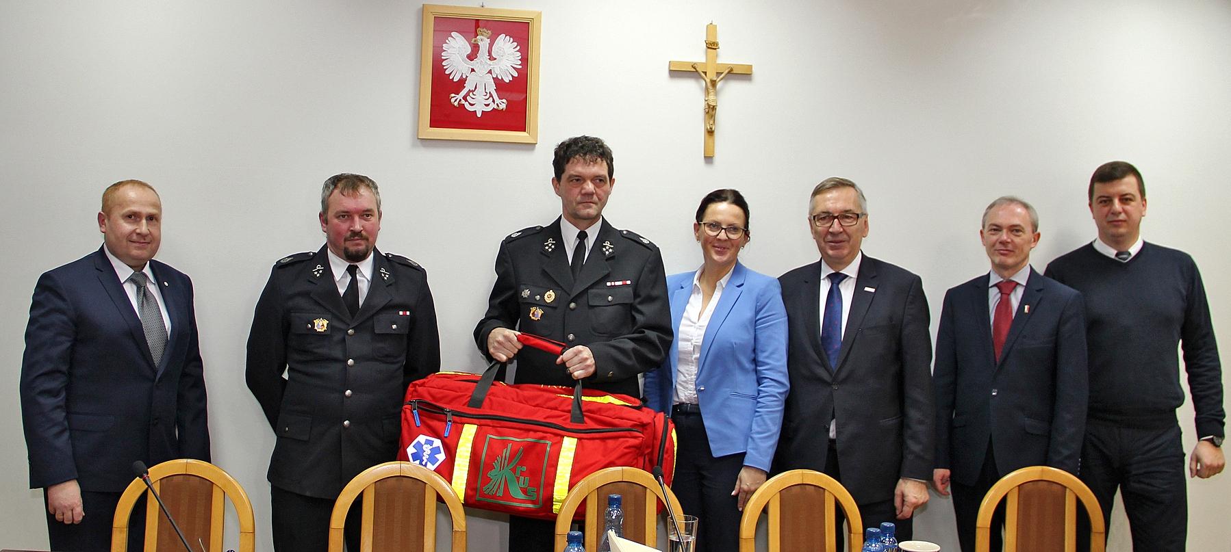 Zestaw ratunkowy dla strażaków