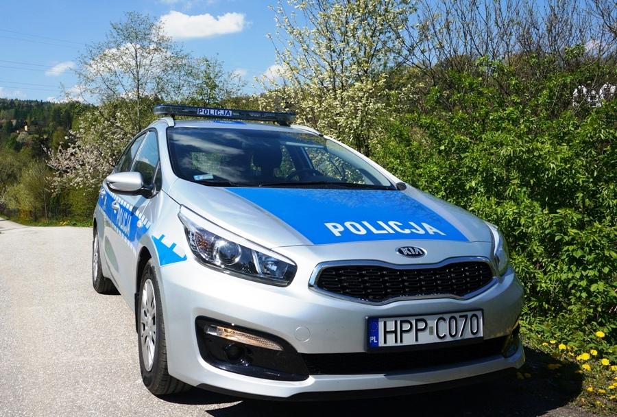 Wiślańscy policjanci  pomogli uratować dziecko