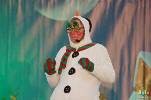 """Fotorelacja z przedstawienia """"Halo! Halo! Mikołaju!"""""""