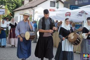 Korowód rozpoczynający 54. Tydzień Kultury Beskidzkiej w Wiśle