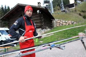 Serwisowe trio w skokach narciarskich